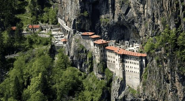 Sümela Manastırı Ziyaretçilerine Kapılarını Açtı