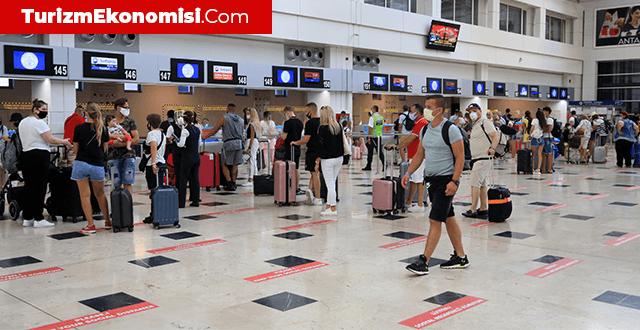 """Turizmci Recep Yavuz: """"1 milyarın üzerinde insanın seyahati korona sürecinde engellendi"""""""