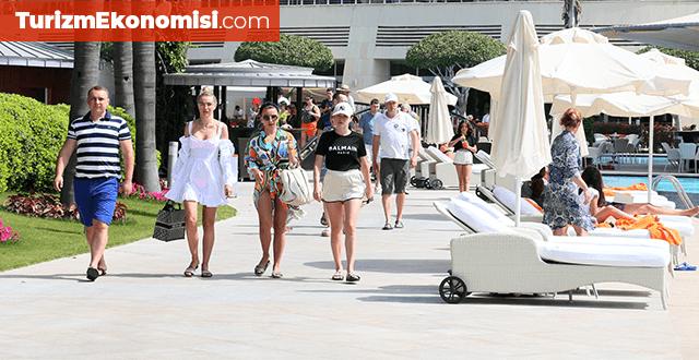 2021'de turizm sektörü toparlanmaya başlayacak: 100 kişiden 71'i seyahat etmeyi düşünüyor