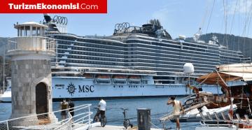 18 katlı 'MSC Seaview' Marmaris'e demir attı
